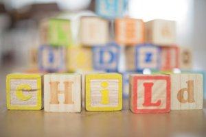 child-2293839__340
